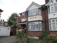 4 bed semi detached house to rent in Alexandra Park Road...