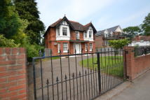1 bedroom Ground Flat in Ray Mead Road, Taplow...