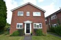 Maisonette to rent in Ray Lea Road, Maidenhead...