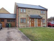 Bay semi detached house to rent