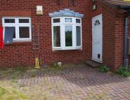 Ground Flat in Heron Grove, Leeds, ...
