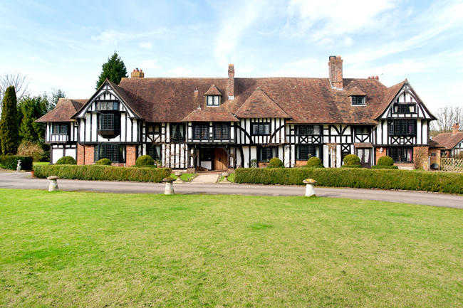 8 bedroom country house for sale in lenham me17 me17 for Country mansion for sale