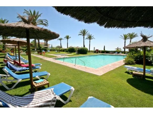 Gardens/pool