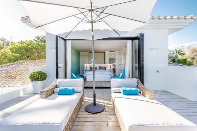 Private sun deck