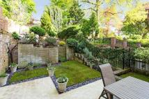 3 bedroom Cottage in Lyndhurst Road, London...
