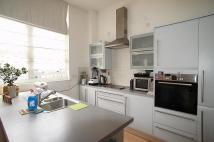 Flat to rent in Batchelor Street, London...