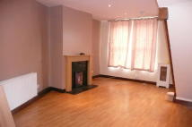 1 bedroom Flat in Whitehall Road...