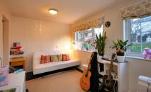 Flat for sale in St. Peter's Close, London