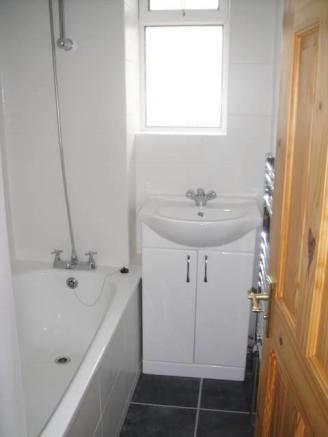 bathroom (002).JPG