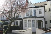 Flat to rent in Rosebery Road...