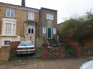 Flat to rent in Stock Orchard Crescent...
