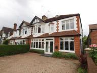 5 bed house in Winchmore Hill Road...