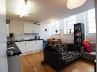 3 bedroom Flat to rent in Kings Terrace, Camden...