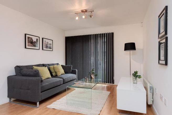 Living area full sho