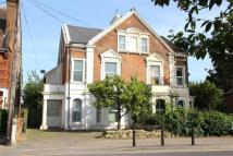 5 bedroom semi detached house in Sedlescombe Road South...