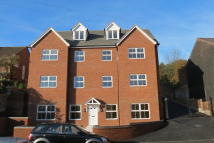2 bedroom Apartment to rent in Flat 9, Park Court...