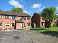 1 bed Ground Flat in 28 Woodhouse Orchard...
