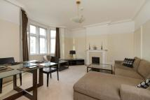 Flat in Manor House, Marylebone...