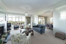 2 bed Flat in Viceroy Court...