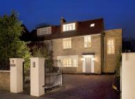 Mortimer Crescent property for sale