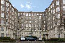 3 bed Flat to rent in South Lodge, Circus Road...