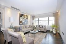 Flat to rent in Boydell Court, NW8