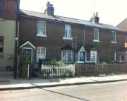 Cottage to rent in Fortis Green, London, N2