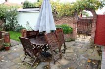 semi detached house in Welling Way, Welling...