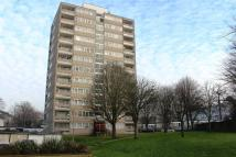 2 bedroom Flat in Rushmere House...