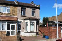 3 bed End of Terrace property for sale in Ley Street, Ilford, IG2