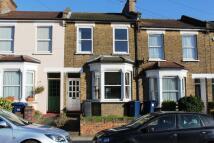 2 bedroom Terraced property in Long Lane, Finchley, N3