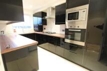 Apartment to rent in Etchingham Park Road...