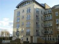 2 bed Flat in Woodland Crescent...