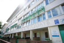 4 bed Flat to rent in Dunlin House...