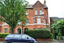 2 bedroom Flat in Shakespeare Road...