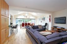 4 bedroom property in Southdown Avenue...