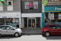 Shop to rent in 105 Market Jew Street...