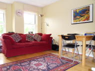 1 bedroom Flat in Sheendale Road, Richmond...