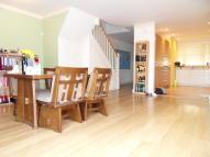 4 bed Town House in Lewiston Close...