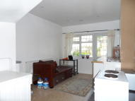 Flat in Grasmere Avenue...