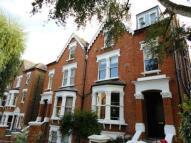 2 bedroom Flat in Nassington Road...