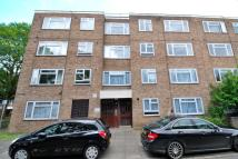 2 bedroom Flat in Lambourn Close, Hanwell...