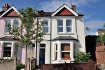 Flat to rent in Laurel Gardens, Hanwell...