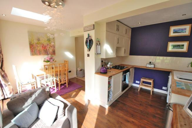 Kitchen Area - Alternative View