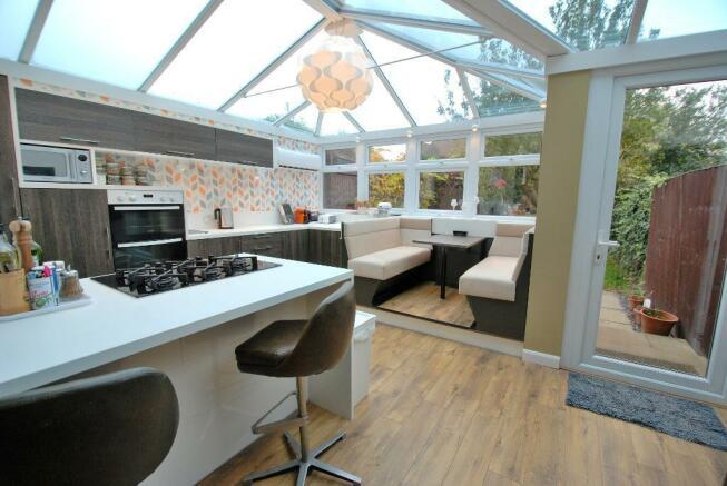 Stylish Kitchen/Breakfast Room