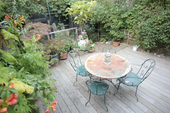 Delightful Southerly Facing Garden
