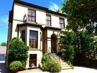 Flat to rent in Portland Street...