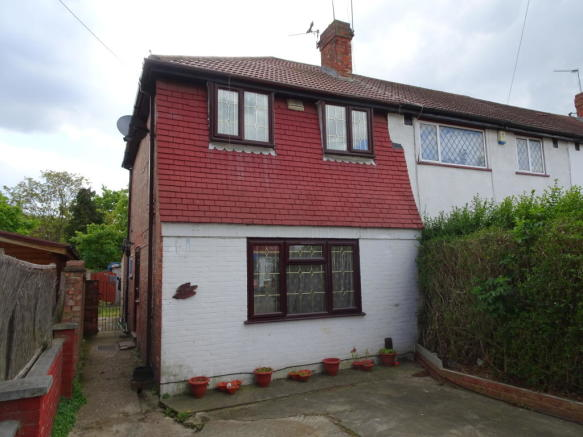 bedroom semi detached house for sale in ashford avenue hayes ub4
