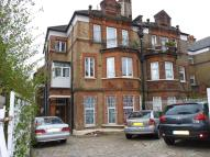3 bed Flat in Palace Road, SW2