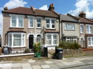 2 bedroom semi detached house in Rutland Walk, SE6